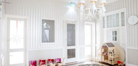 Tapety w pokoju dziecięcym – ciekawe pomysły na aranżację ścian
